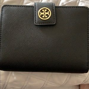 Tory Burch Wallet with attached Zipper Coin